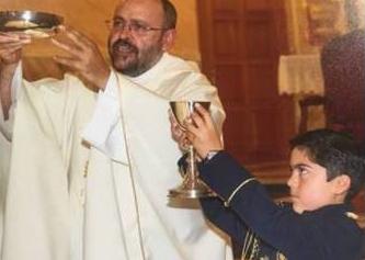 El niño que donó los 7.000 euros de regalos de su comunión a una ONG